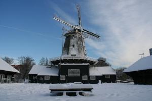 Molen de Ster in de sneeuw